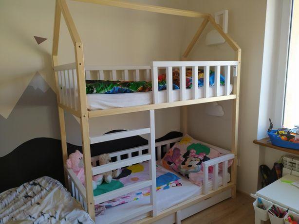 łóżko piętrowe domek drewniane