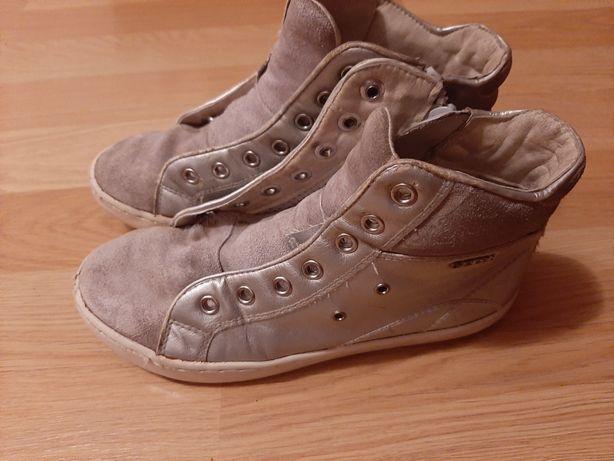 Продам ботиночки Geox