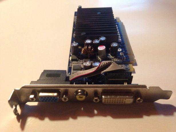 Placas gráficas / Placas de som (PCI / AGP / ISA)