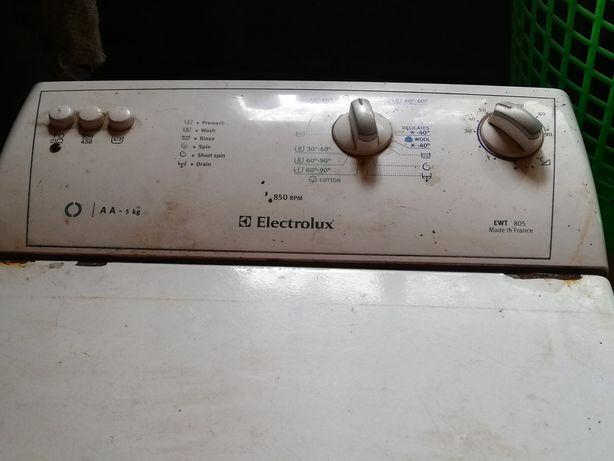 Продам пральну машину Electrolux на запчастини