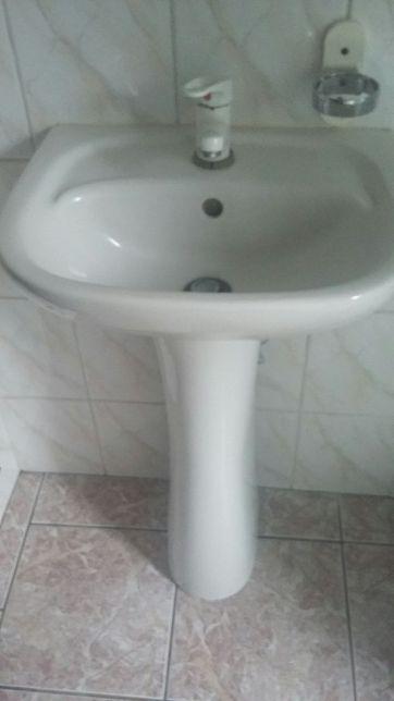 Umywalka z podstawą
