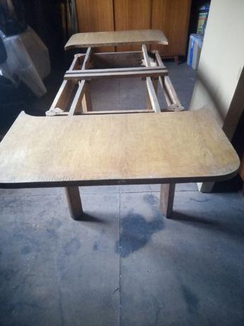 sprzedam stary drewniany stół.