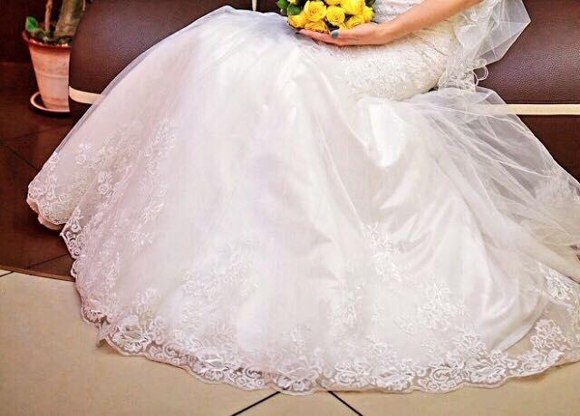 Шикарное свадебное платье и подарок