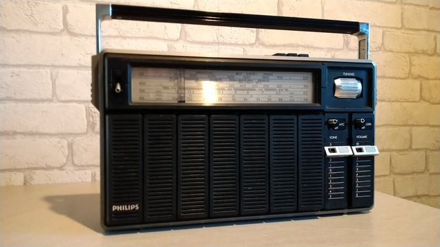 Radio Phillips 870