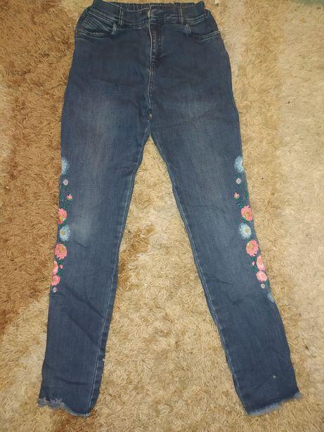 Красивые стильные джинсы на 10-12лет