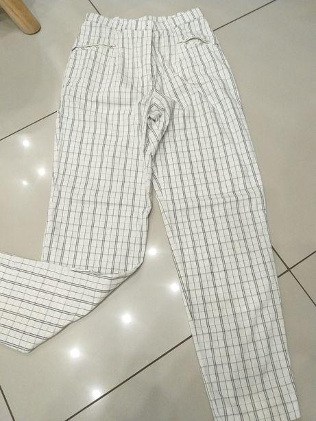 Modne spodnie w kratke bialo czarna wysoki stan