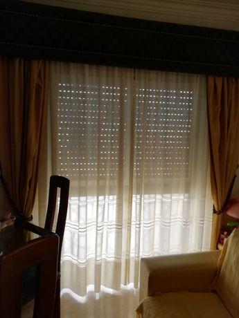2 conjuntos de cortinados