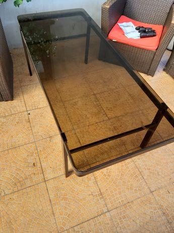 Stół metalowy na taras lub ogród