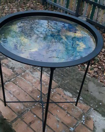 Журнальный столик с заливкой из эпоксидной смолы