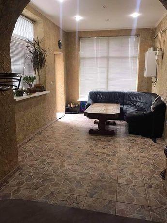 Продам трьохкімнатну квартиру