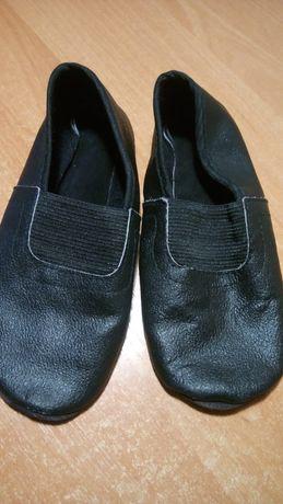 Чешки чёрные натур.кожа 16 см