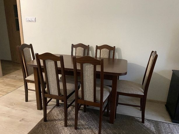Stół z 6 krzesłam
