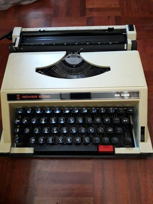 Máquina de escrever e mala Belém - imagem 1