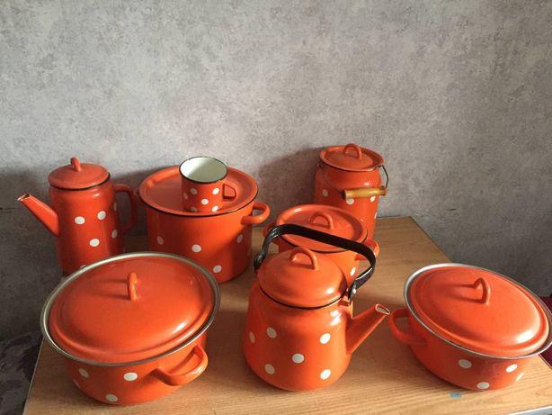 Набор посуды в горошек (новый)