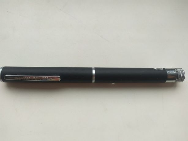 Лазарь проэктор ручка,дальность более 500 метров
