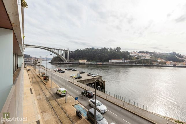 Apartamento T2 com vistas para o rio Douro