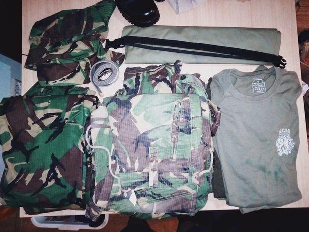 Vendo equipamento militar (Fardas, botas, t-shirts ect. )
