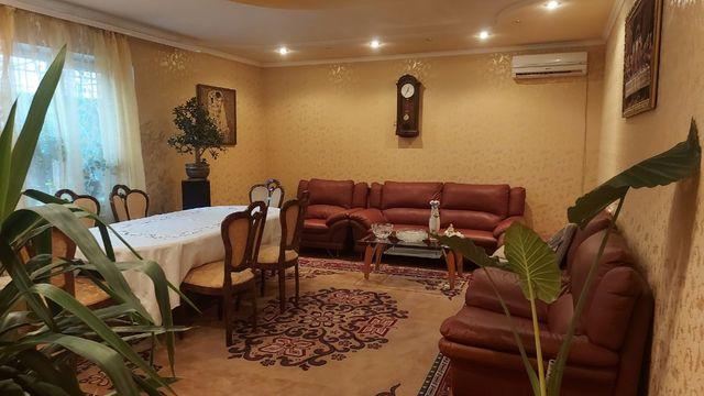 Продам дом в Харцызске с действующим магазином