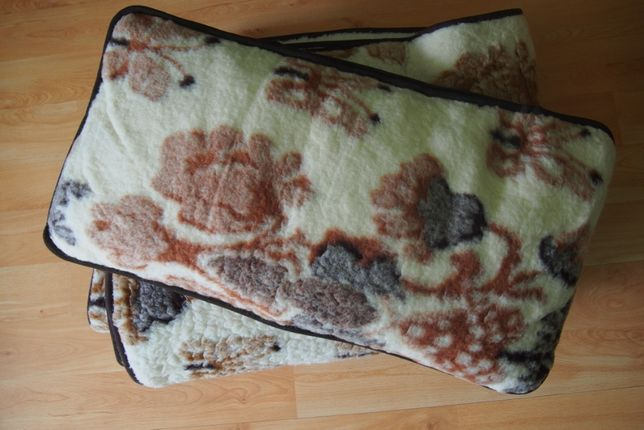 Pościel wełniana 100% wełna dwie kołdry, dwie poduszki
