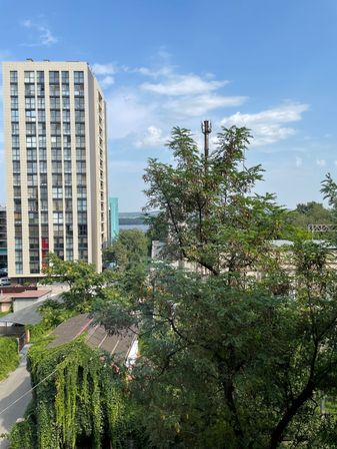 Двухкомнатная квартира возле парка Шевченко