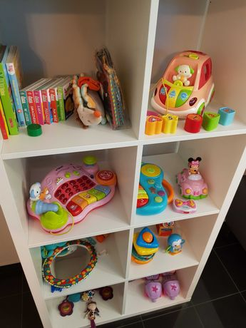 Zabawki i książeczki dla maluszka