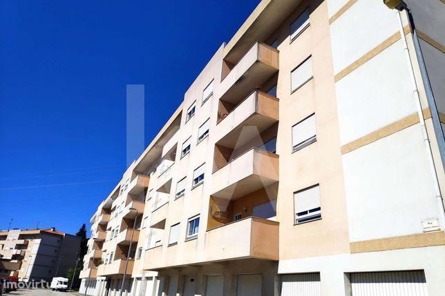 Apartamento T4 | 5 Assoalhadas | 4 Casas de Banho | 165m2 | Garagem |