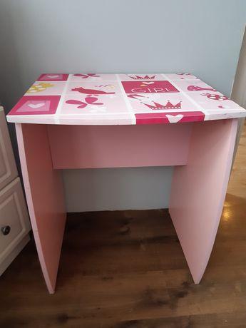 Małe biurko dla dziewczynki. 60x47 wys.73. J.nowe