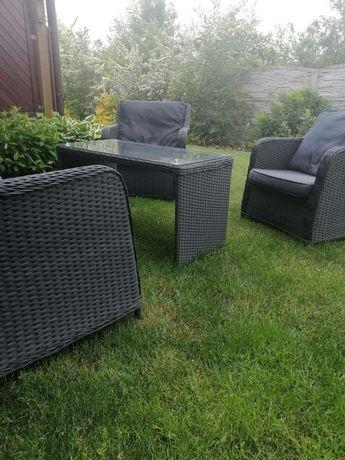 Sprzedam komplet ogrodowy sofa, dwa fotele i stolik