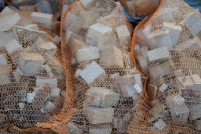 Drewno kominkowe i opałowe suche klocki bukowe worek 25L