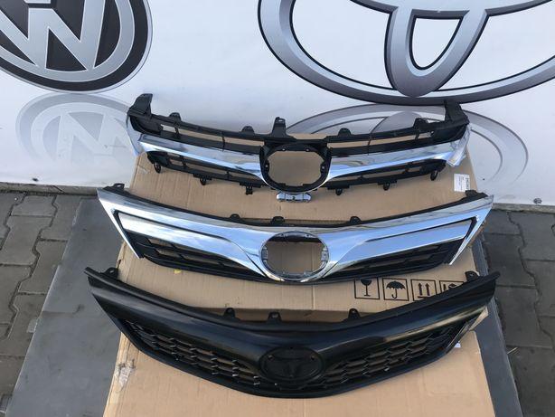 Решотка радиаторов решітка радіатора Toyota Camry USA 50 55 Кемрі