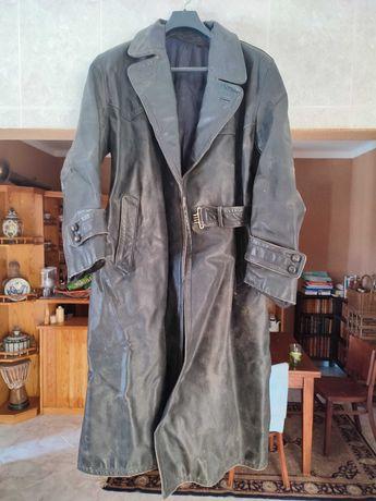 Grande jaqueta antiga de motoqueiro em cabedal
