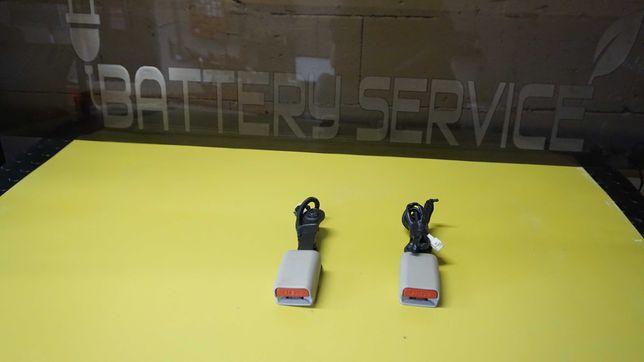 Замок ремня безопасности передний Nissan Leaf ZE0 (10-13) 86842-3NA1A