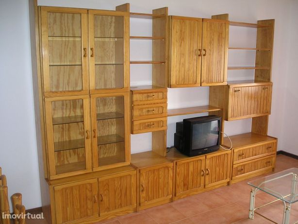 Apartamento T1 mobilado e equipado para arrendamento na Rua Godinho Fa