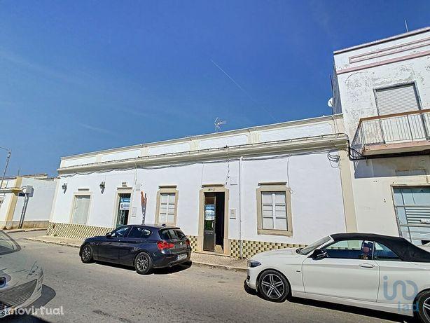Moradia - 250 m² - T7