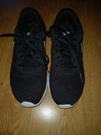 Nike Tanjun r. 42