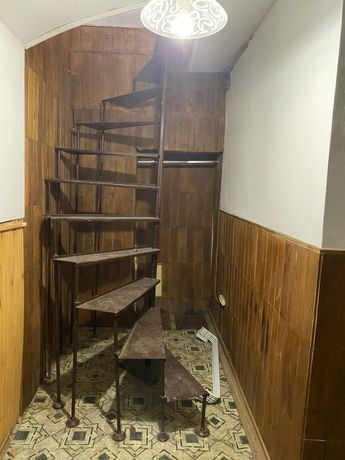 Металеві сходи розбірні