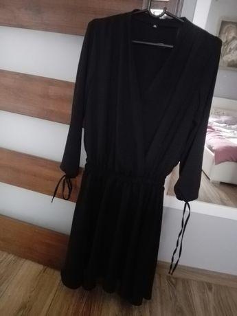 Czarna sukienka, zakładana, wesele S