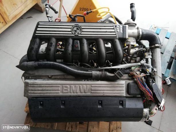 Motor BMW E39 525TDS em STOCK 256T1 de 143cv