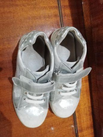 Туфли на девочку 32