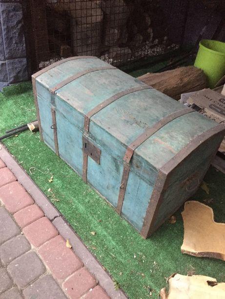 Stara skrzynia posagowa kufer