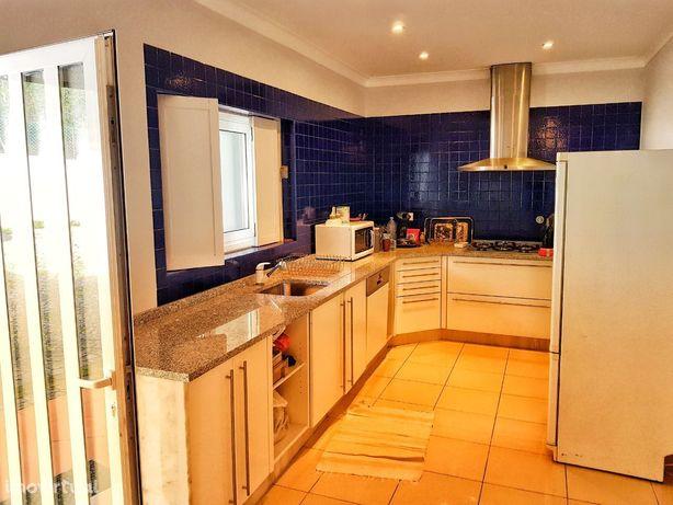 PARA VENDA - Moradia em CERVÃES de 434 m² - 4 quartos
