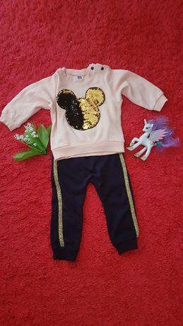 Модный костюм с пайетками для девочки. Турция. Отличное состояние