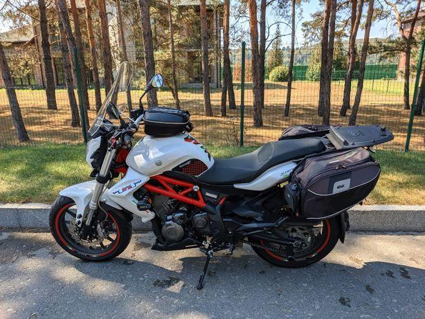 Мотоцикл Benelli TNT 300. С тюнингом и обвесом!