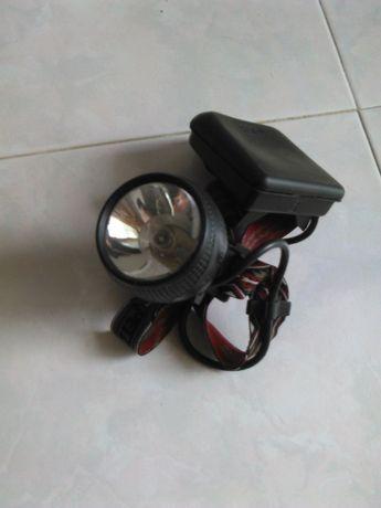 Lanterna Frontal Pezl