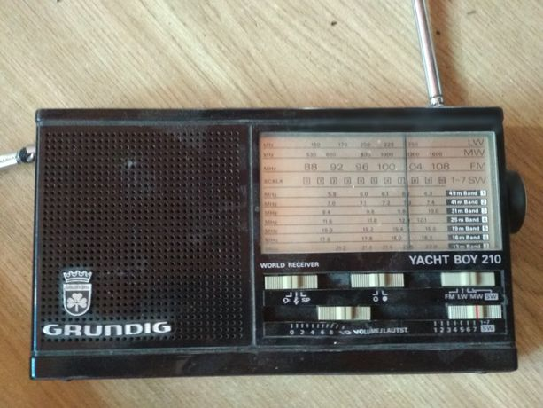 Radio Grundig Yacht Boy 210