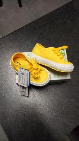 Buty nowe z metka rozmiar 22 dlugosc wkladki 13,5