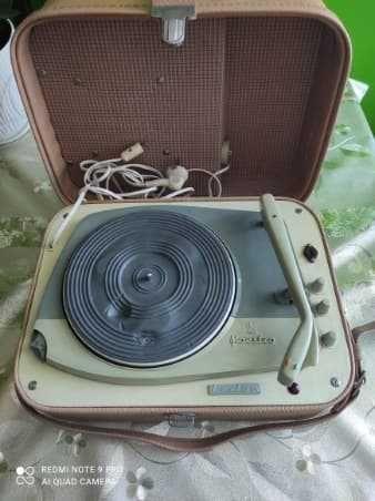Gramofon marki Fonika LUXTON MAESTRO LATA 60