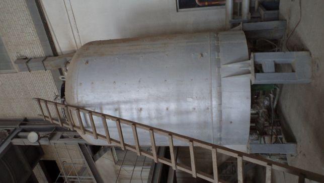 Бочка вертикальна емальована V 10м3 для зберегання води з сорочкою