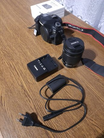 Aparat  Canon  80D   obiektyw EF-S 18-55 IS STM   Kit