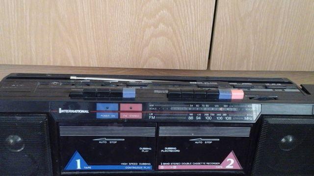 Radiomagnetofon dwukasetowy